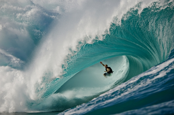 Mark mathews  Teahupoo in to the Abyss